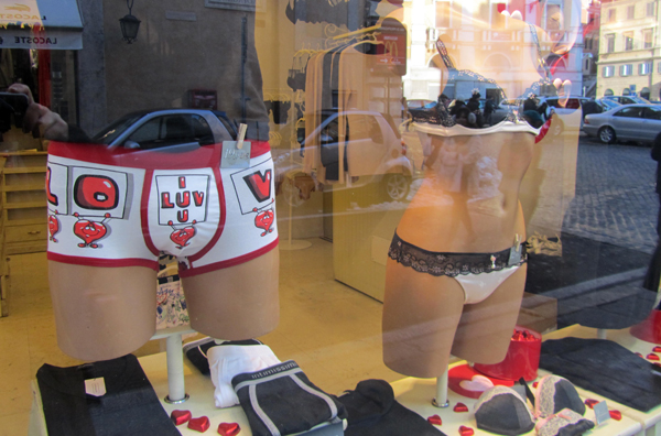 Window shopping in Rome