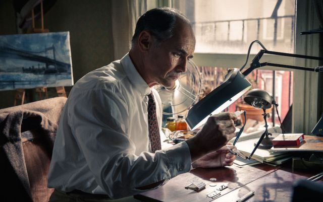 Mark Rylance moves you, makes you laugh, yet underplays it.
