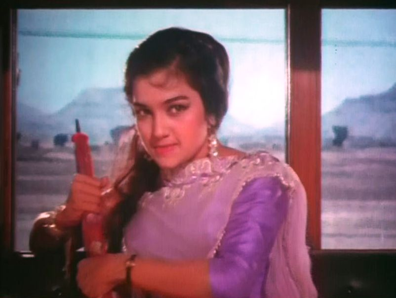 asha-parekh-train