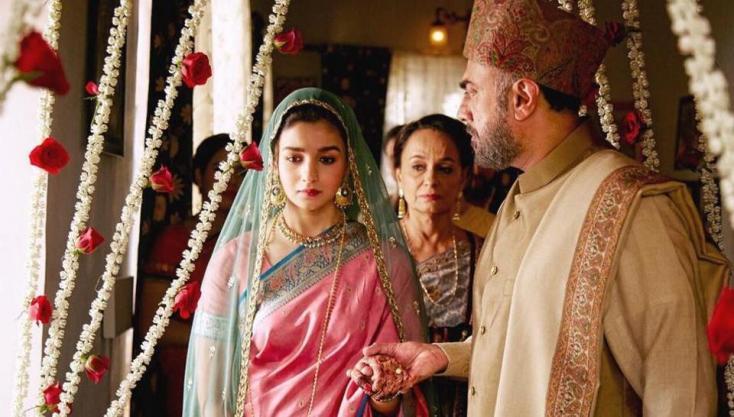 Alia Bhatt marries for country, not love, seen off by Soni Razdan and Rajit Kapur.