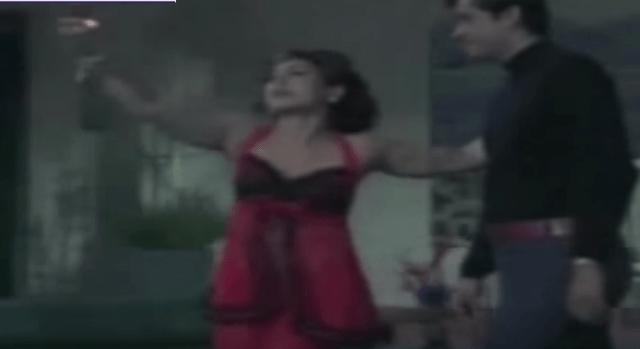 Helen seduces Joy Mukherjee to a simmering Lata-RD Burman number.