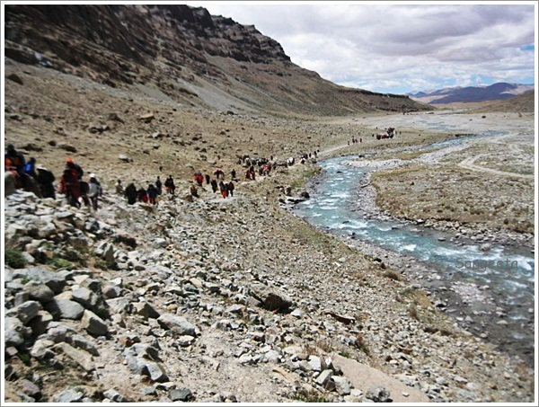 Mount Kailash-Walking Pilgrims
