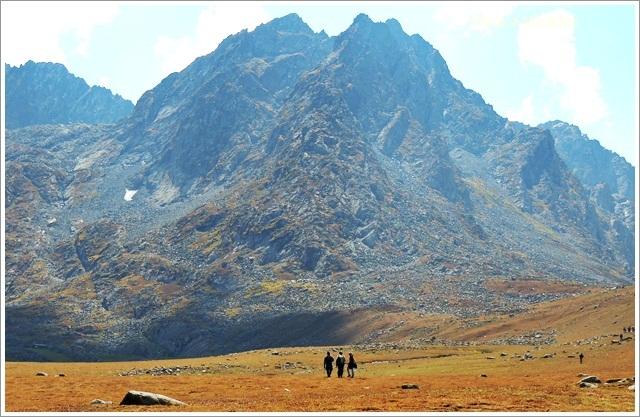 Satsar Meadow Ganderbal Sonmarg