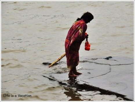 Maheshwar Kavad Yatra Lady