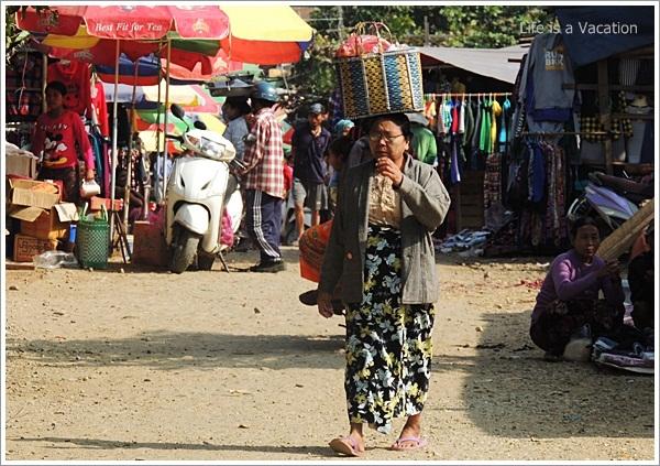 Myanmar Tamu Market Lady