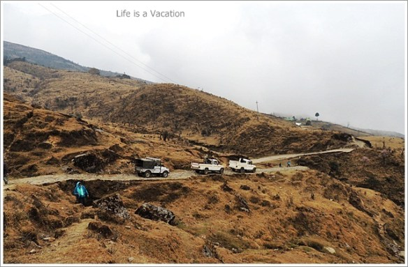 Sandakphu_Trek_Tonglu_Cars