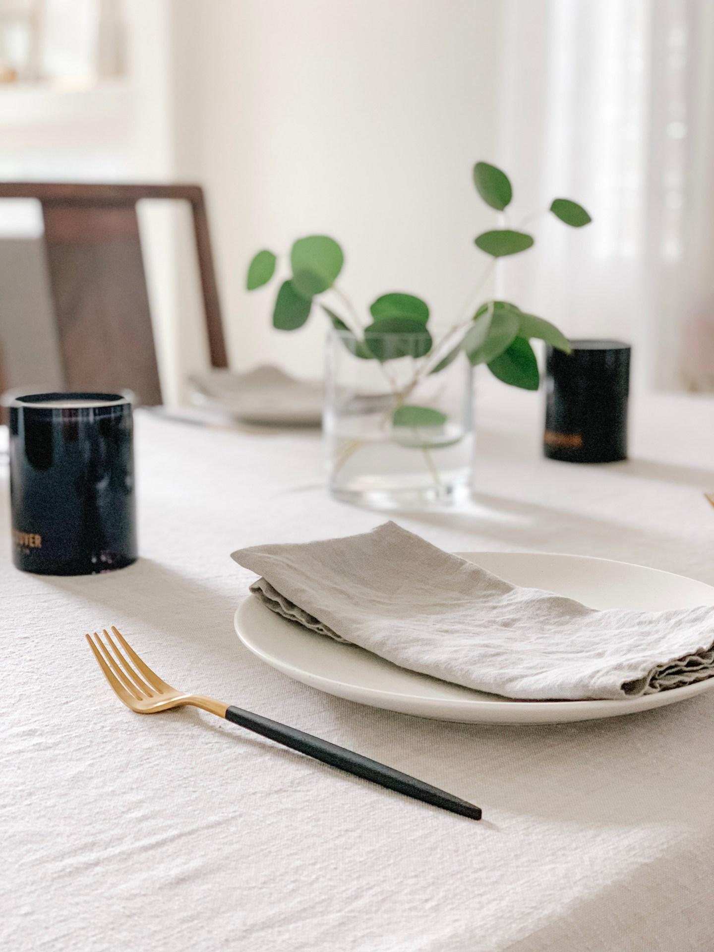 Modern Minimal Summer Table