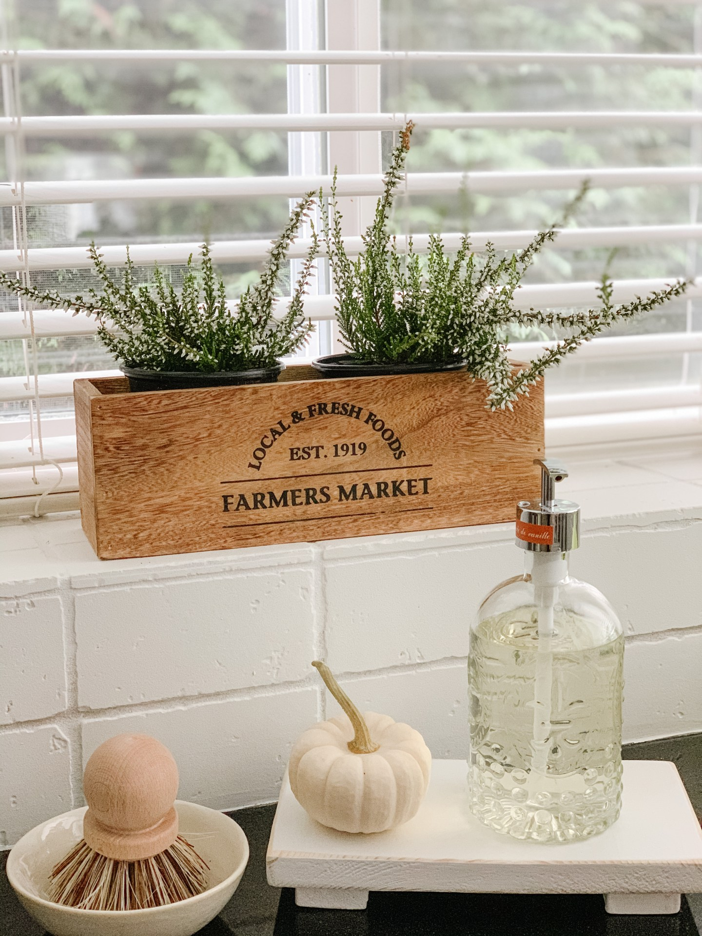 cozy fall kitchen ideas to add warmth to your home