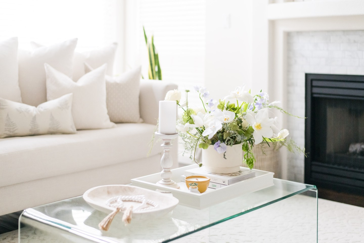 Fresh and Neutral Spring Decorating Ideas