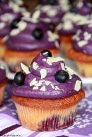 Blueberry White Chocolate Cupcakes