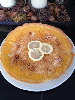 Tarte au Citron mit selbst gemachtem Lemoncurd von Carina von Carina´s Foodblog http://carinas-food-blog.blogspot.de/2013/10/tarte-au-citron-mit-selbstgemachtem.html