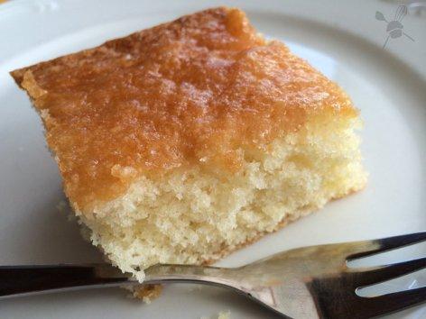 Zitronenkuchen mit Guss von Ilona vom Süßblog http://www.suessblog.de/2014/05/der-zitronigste-zitronenkuchen-mit-lecker-glasur/