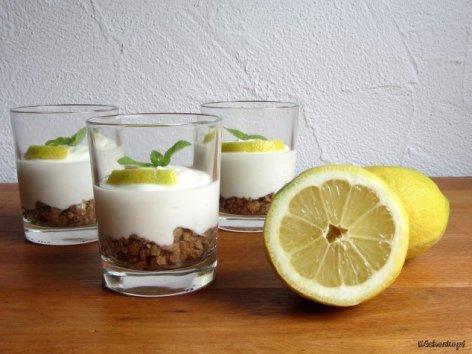Zitronentörtchen im Glas von Tina von Küchenkopf http://kuechenkopf.wordpress.com/2014/05/30/zitronen-toertchen-im-glas/