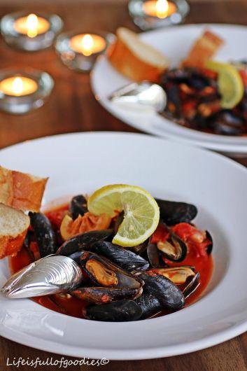 Muscheln in Weißwein-Tomatensauce