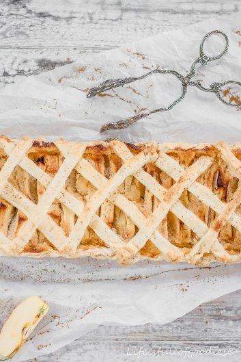 Apfel-Frangipane-Tarte aus Blätterteig mit Sahne