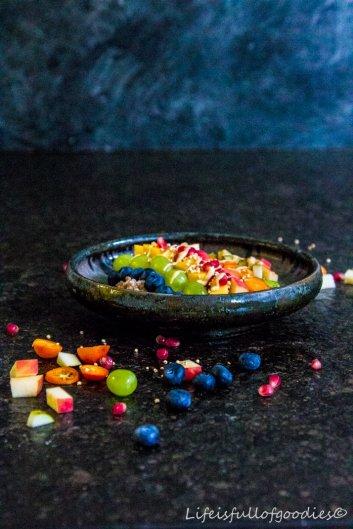 Schlichter Porridge mit Früchten und ein dickes DANKE an EUCH!