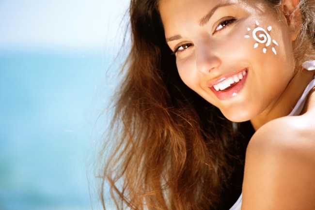 How To Prevent Sun Damage Naturally