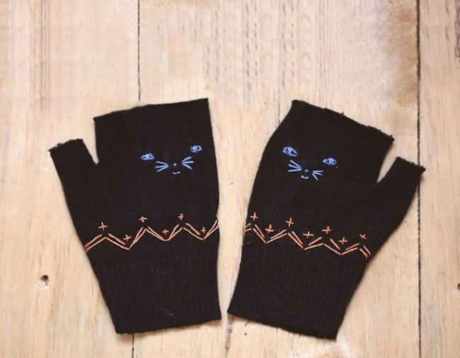 Kitten Gloves