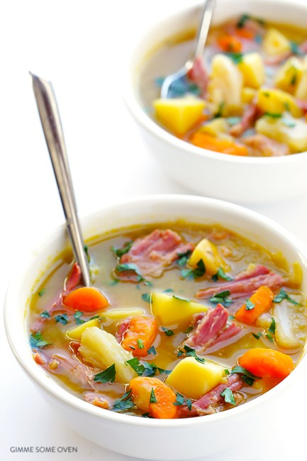 SLOW COOKER CORNED BEEF AND CABBAGE SOUP