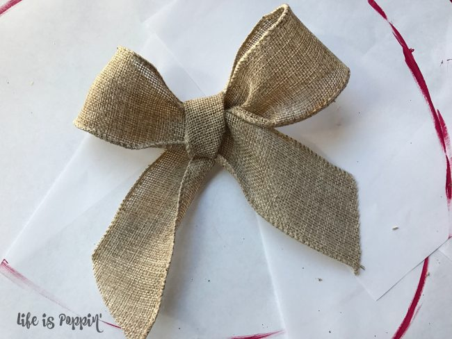 Welcome sign DIY burlap bow