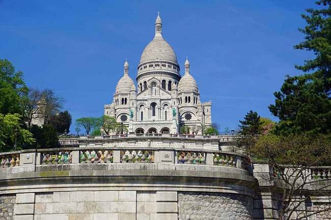 The pink / white limestone structure of Sacre Coeur