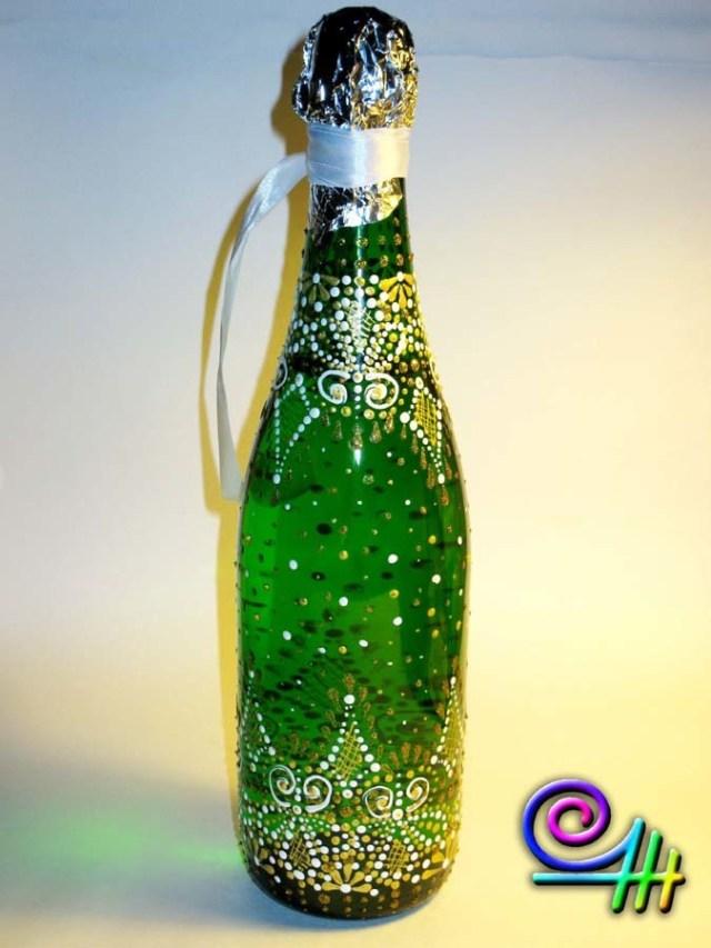 Новогодняя бутылка шампанского