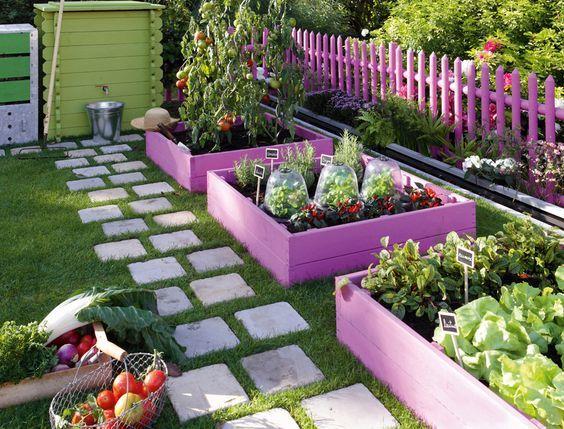 Красивые грядки в саду