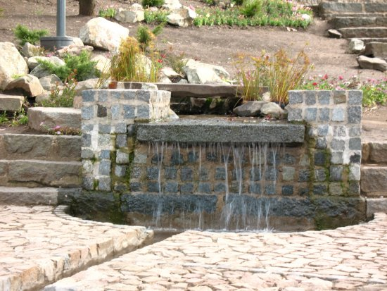 Водопад на даче 3