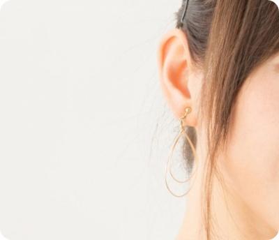 ピアスホール くさい 臭い 対策 原因 ピアス穴 掃除 消毒