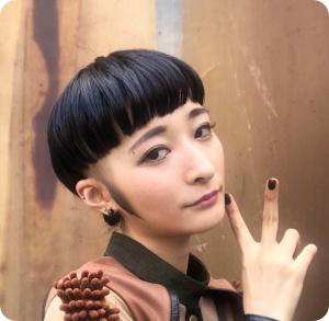 BiSH リンリン 髪型遍歴 奇抜すぎ 刈り上げ 中国人