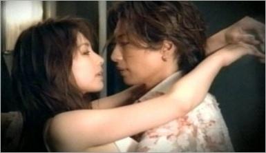 ガクトと米倉涼子のキスシーン
