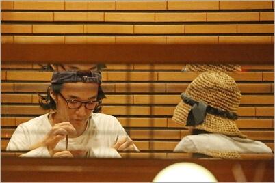 石崎ヒューイと蒼井優の報道写真