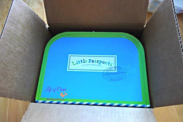 Unboxing, Little Passports, blue suitcase