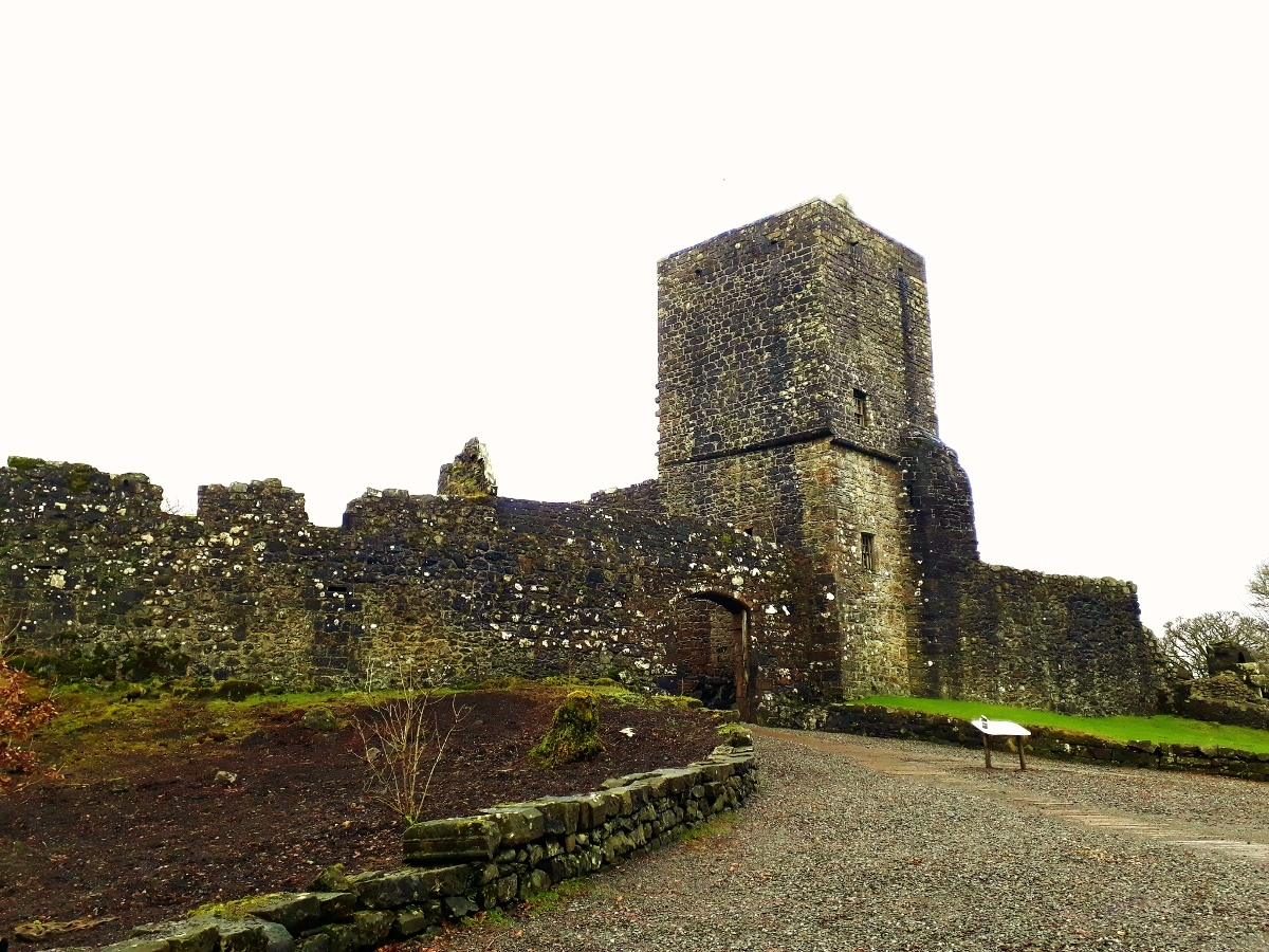 Exploring The Castles & History of Mugdock Country Park