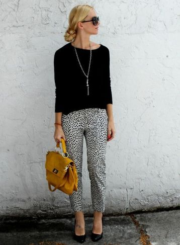 Workwear Ideas: Monochrome Trousers and Sweater | Life of Lala | https://lifeoflala.wordpress.com/