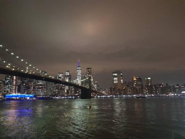Wandering through Brooklyn at night