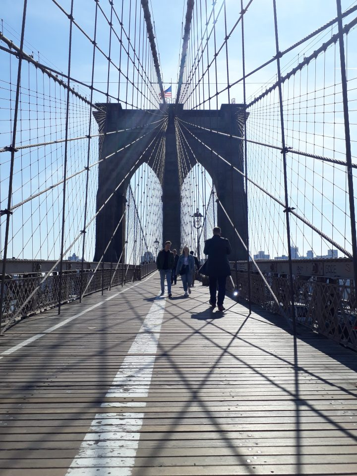 A Simple Guide to Walking Across the Brooklyn Bridge