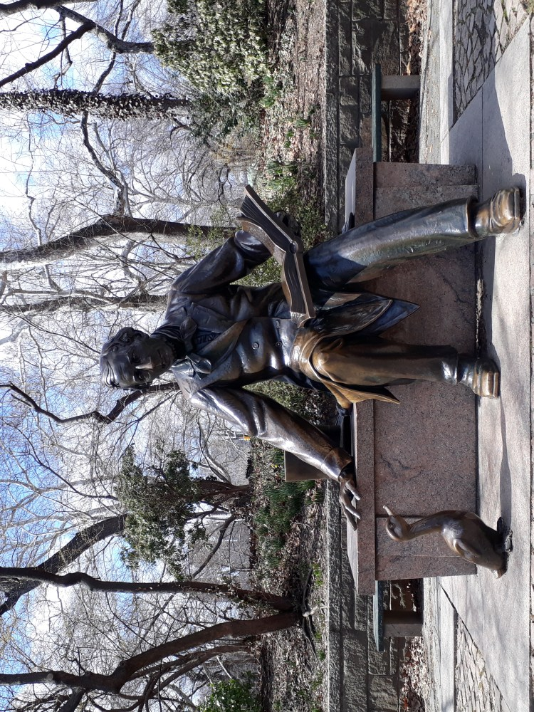 Hans Christian Anderson statue in Central Park NYC