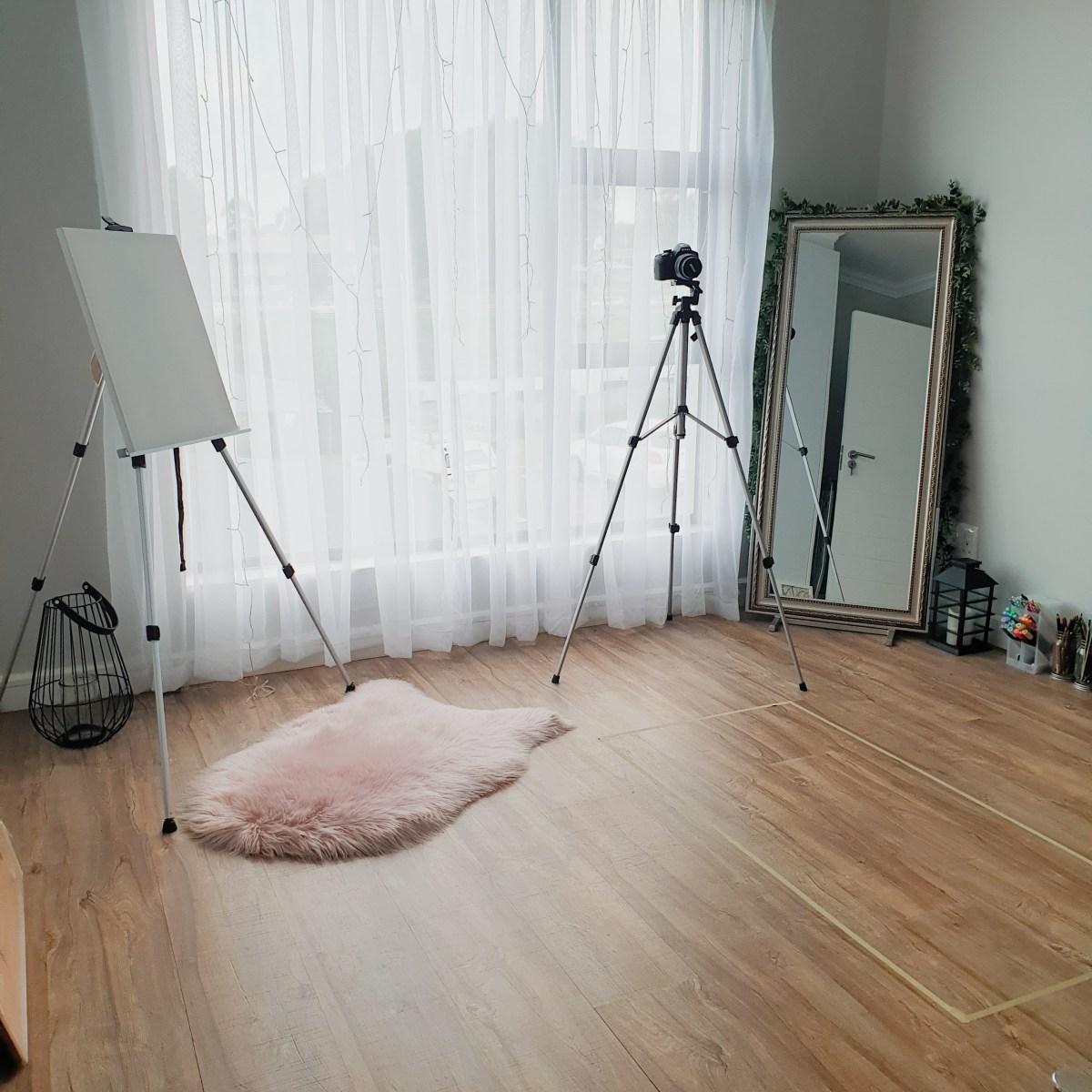 simple art studio design