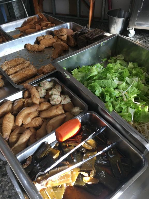 【彰化好吃素食麵】民族路上藥膳素食麵 在地人的早餐店