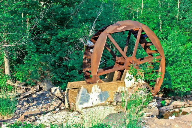 Waterfalls Waterwheel  BRACEBRIDGE, Brampton Photographer, Caledon Photographer, Mira Budd Photography,
