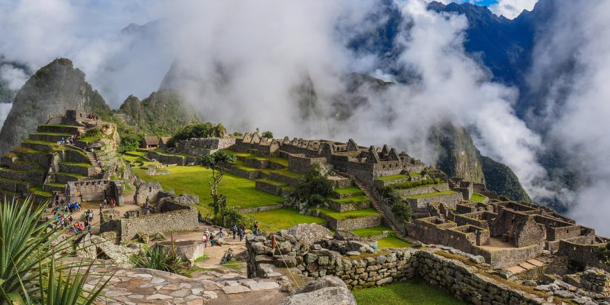 Machu Picchu Inca Ruins Peru, Places to visit in Peru, Places to visit in the World, Beautiful Places in The World, Travel Bucket List, Amazing Places in The World, Things to See Before You Die,