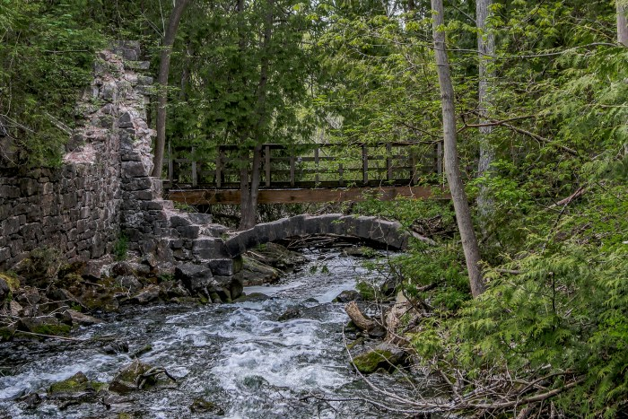 Limehouse Conservation Area, Ontario Hiking Trails, Beautiful Places in Ontario, Hiking Ontario, Bruce trail,