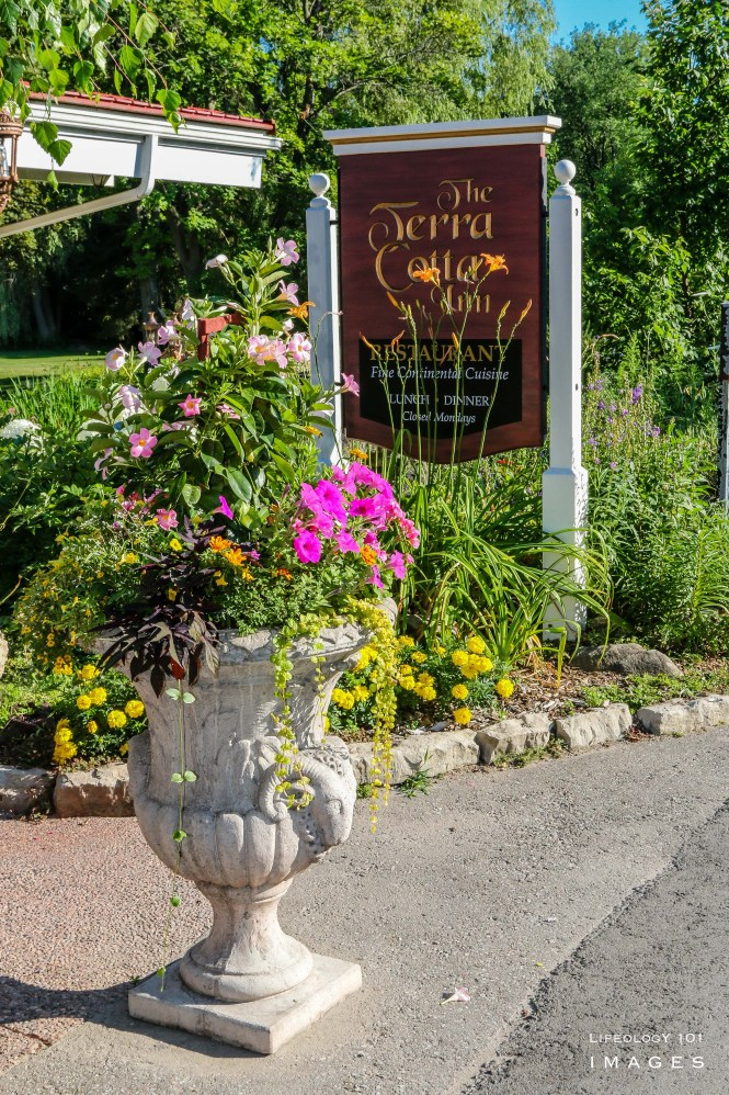 Caledon Restaurants, Places to eat in Caledon, Beautiful Places in Caledon, Places to visit in Caledon, Places to Visit In Ontario,