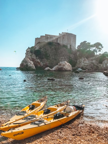 Kayaks in front of fort