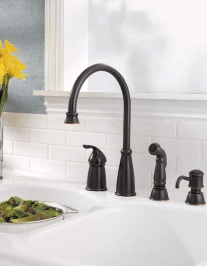 best kitchen faucets for farmhouse sinks