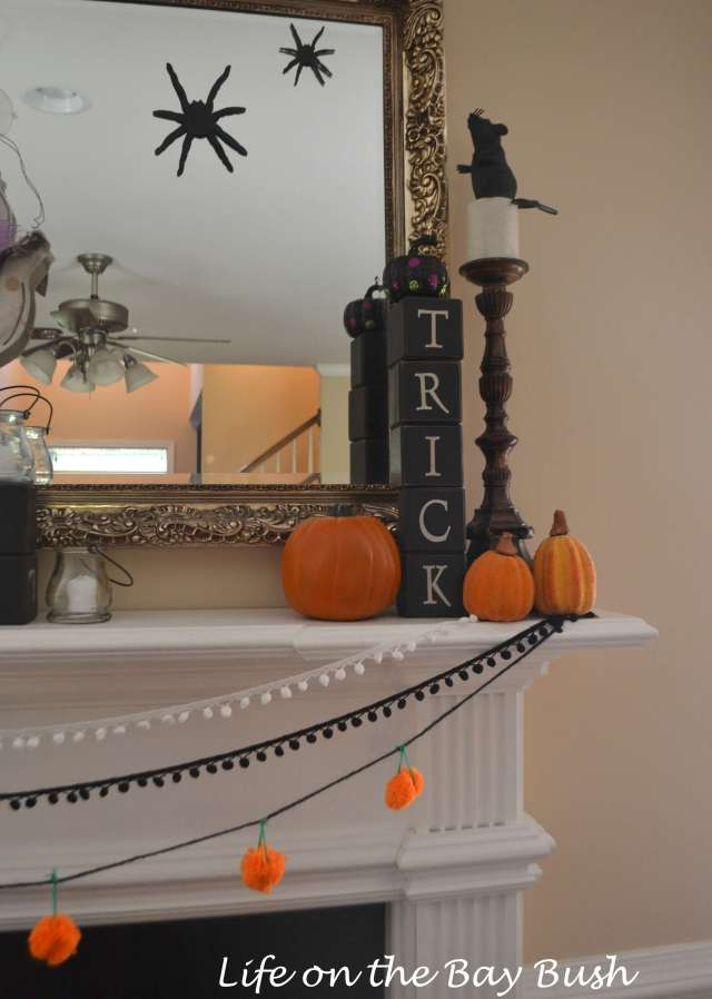 Trick-or-treat-mantle