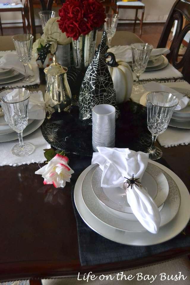 halloween-table-decorations