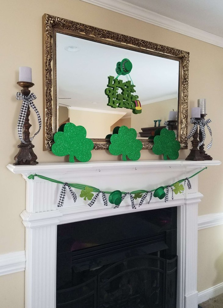 St Patrick's Day Mantel {Life on the Bay Bush}