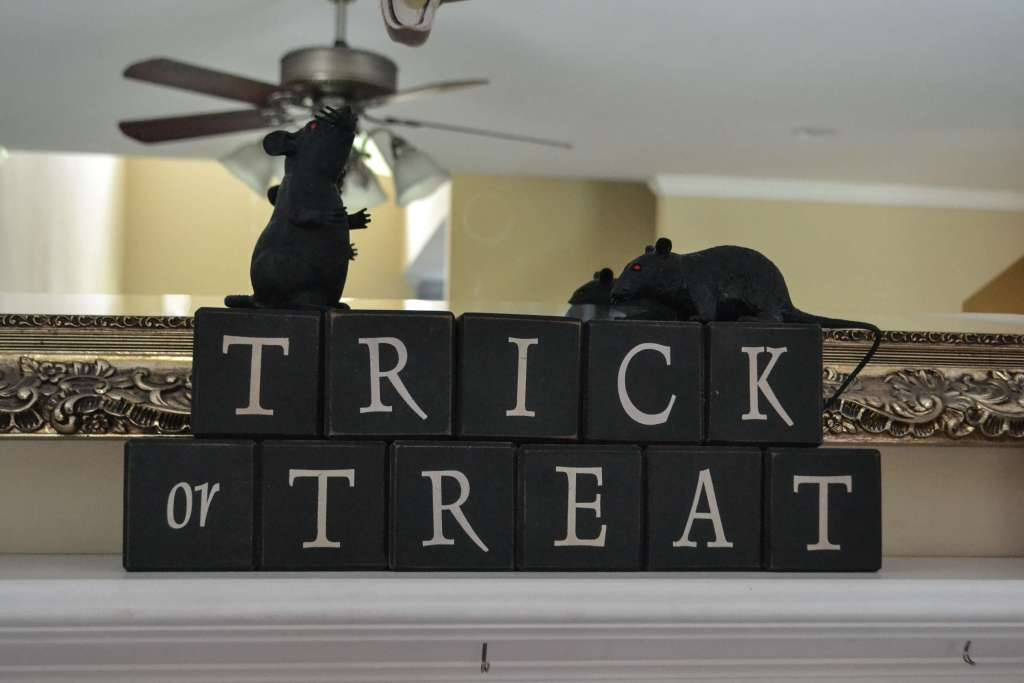 Halloween Mantel from Life on the Bay Bush